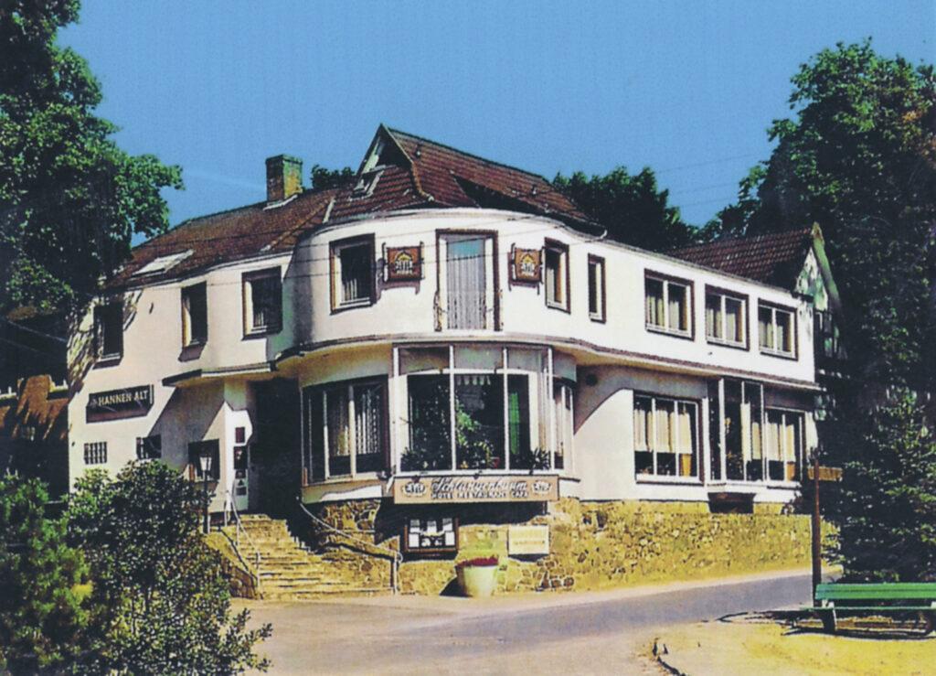 """""""Zum Schlangenbaum"""" vor dem Abriss, 1992"""