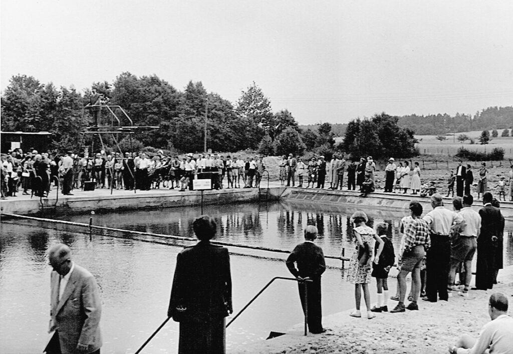 Schwimmbad, Einweihung 1955
