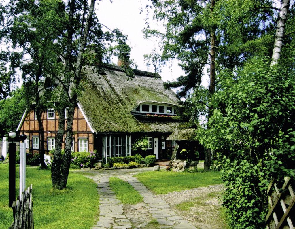 ehem. Schulhaus, jetzt in Schneverdingen, 2007