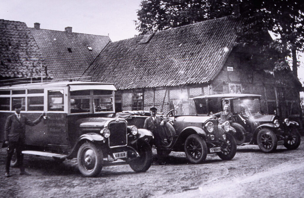 Taxi- und Busbetrieb Maack, 1930
